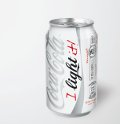 Una lona gigante de 15.000 botellas y una promoción online para el 25 aniversario de Coca-Cola Light