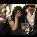 Nivea hace sudar a los pasajeros de un taxi en México DF