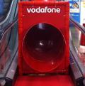 Vodafone instala un tobogán en el metro de Madrid para promocionar su red 4G