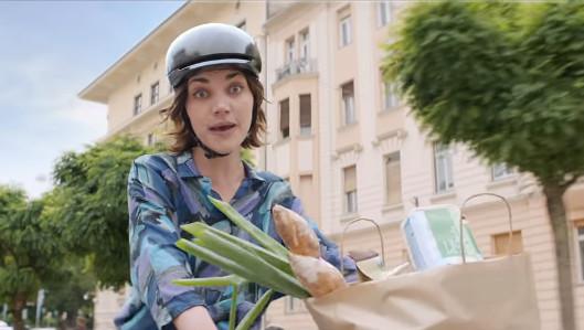 Imagen de una campaña de Carrefour, una de las marcas asociadas por los consumidores a iniciativas sostenibles