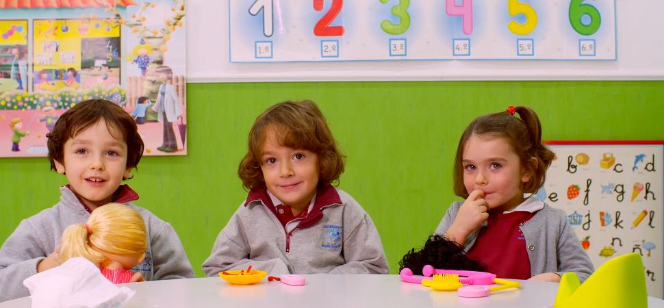 El experimento que demuestra que también a los niños les gustan las muñecas