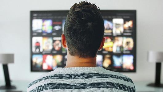 Quienes reciben Netflix y/o HBO ven mucha menos televisión lineal que el resto