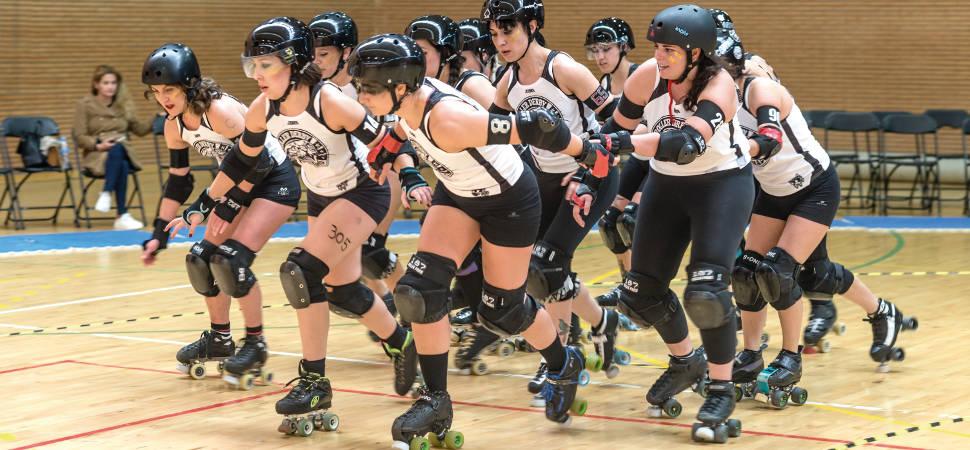 Roller derby: ellas patinan delante