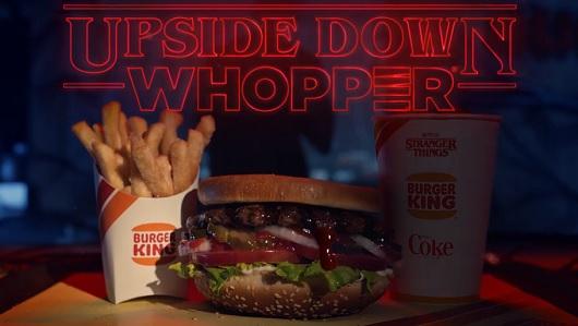 La hamburguesa se sirve al revés, claro