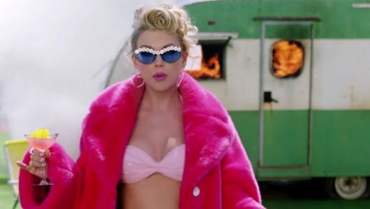Taylor Swift en un vídeoclip