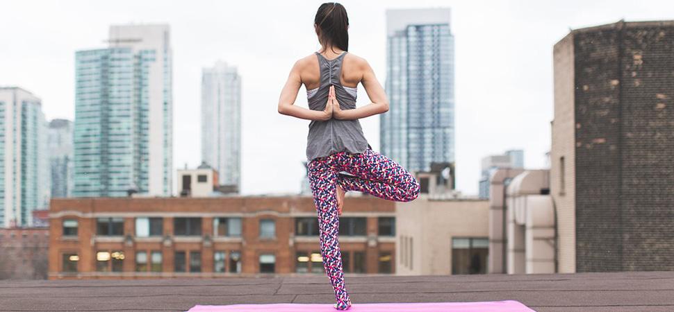 Las cinco mejores apps para practicar yoga en casa (o donde tú elijas)