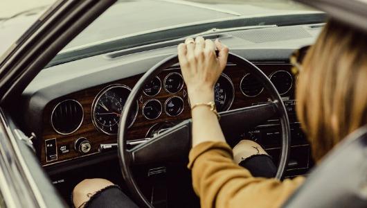 Los consumidores no compran coches online, pero el 86% de ellos realiza búsquedas en internet antes de visitar un concesionario