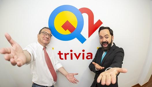 Dos de los presentadores de Q12 Trivia, Juanjo de la Iglesia y Toni Cano