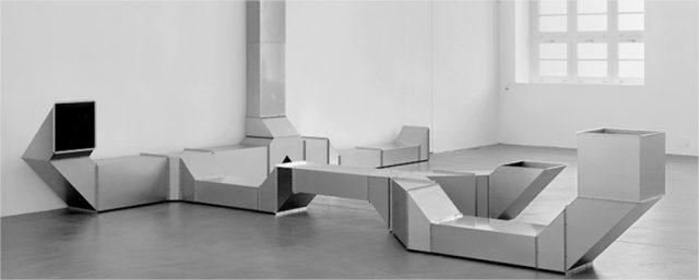Instalación 'Vierantrohre (Square Tube)' de Charlotte Posenenske. Foto: MACBA.