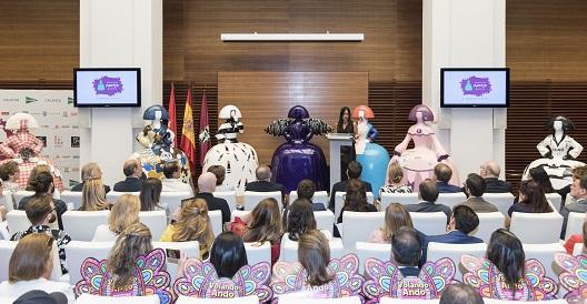 La acción se presentó en rueda de prensa, en la que participó la vicealcaldesa Begoña Villacís