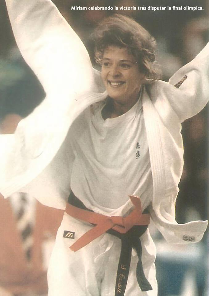 Blasco, tras ganar la final olímpica de 1992. Foto: Club de Judo Miriam Blasco.