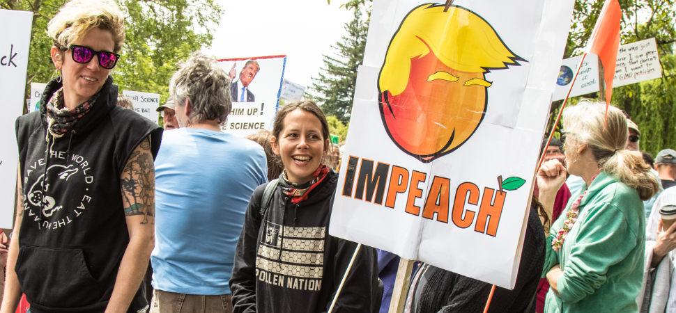 Cómo el emoji del melocotón se ha convertido en símbolo de la resistencia anti-Trump