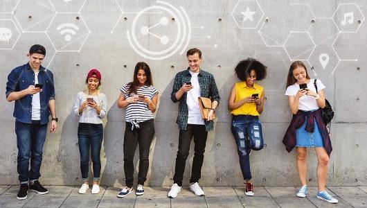 Las mujeres se inclinan por las redes sociales visuales como Instagram o Snapchat