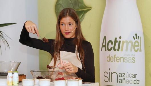 La influencer Miri ha participado en el lanzamiento del nuevo Actimel