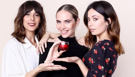 De izquierda a derecha, Belén Cuesta, Brisa Fenoy y Anna Castillo