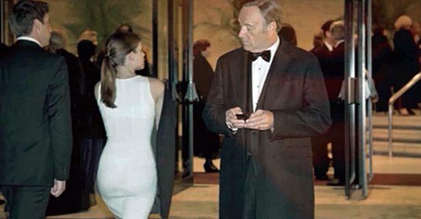 El congresista Underwood, valorando las 'cualidades' de una periodista. Foto: House of cards/Netflix.