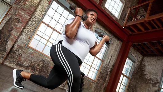 Jessamyn Stanley es una de las deportistas que aparecen en la campaña