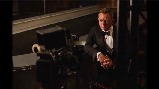 Daniel Craig es, de nuevo, James Bond