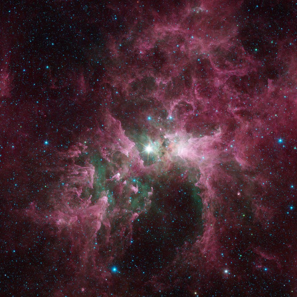 La estrella brillante en el centro de la nebulosa es Eta Carinae es una de las estrellas más masivas de la galaxia.