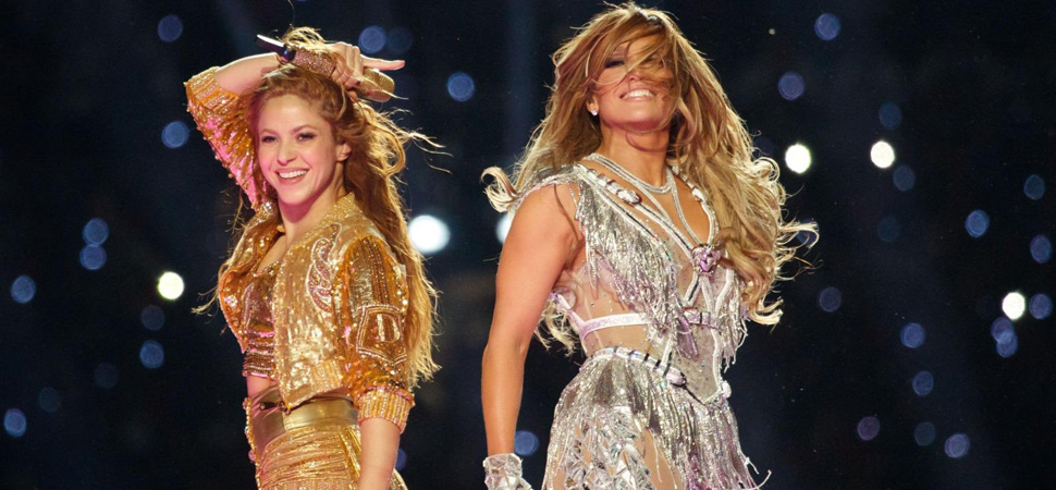 Los mensajes políticos escondidos en la actuación de Shakira y Jennifer López
