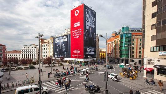 La lona estaba ubicada en Madrid