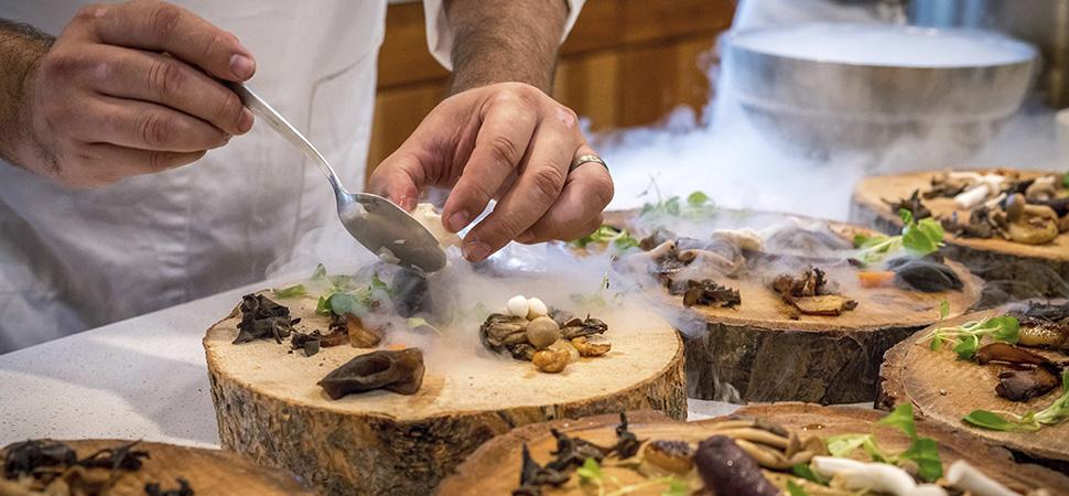 Los grandes chefs españoles cocinan desde sus casas para ti