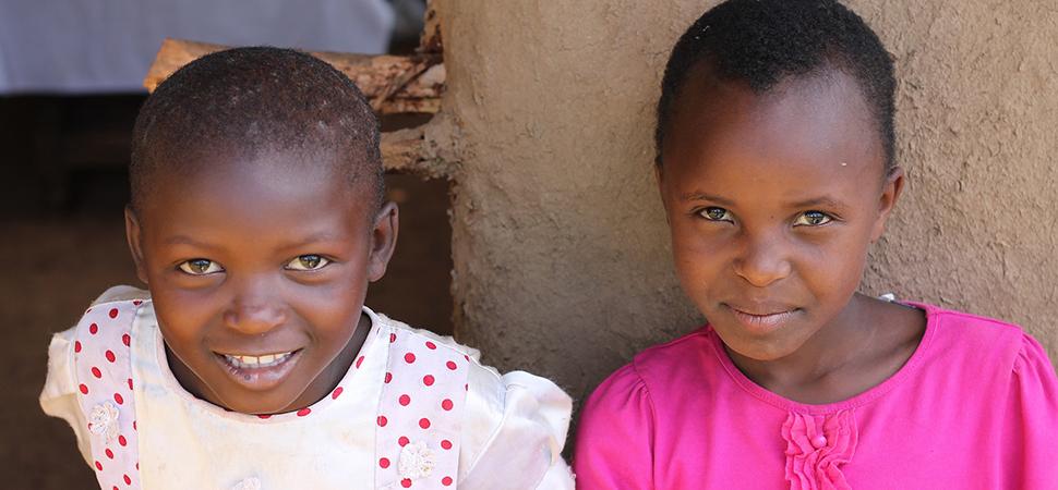 Sudán prohíbe al fin la mutilación genital femenina