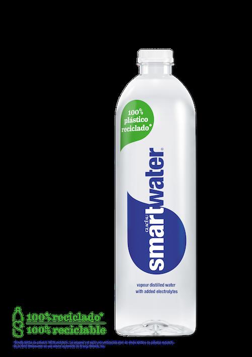 Los primeros envases hechos de plástico 100% reciclado han llegado a la oferta de  bebidas de Coca-Cola en España de la mano de Glacéau Smartwater
