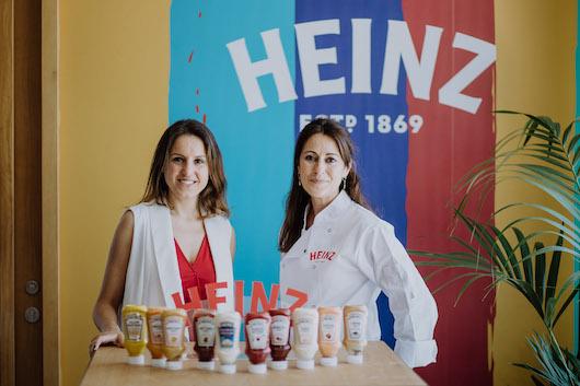 María Lucía Scenna, Brand Build and Innovation Manager Iberia de Heinz, y Anna María Tengo, Chez Heinz del evento