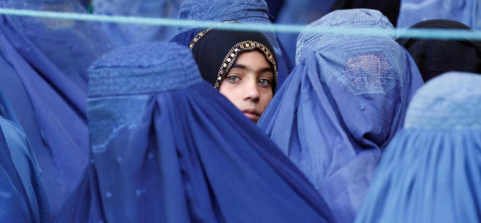 Las mujeres afganas conquistan su derecho a un nombre