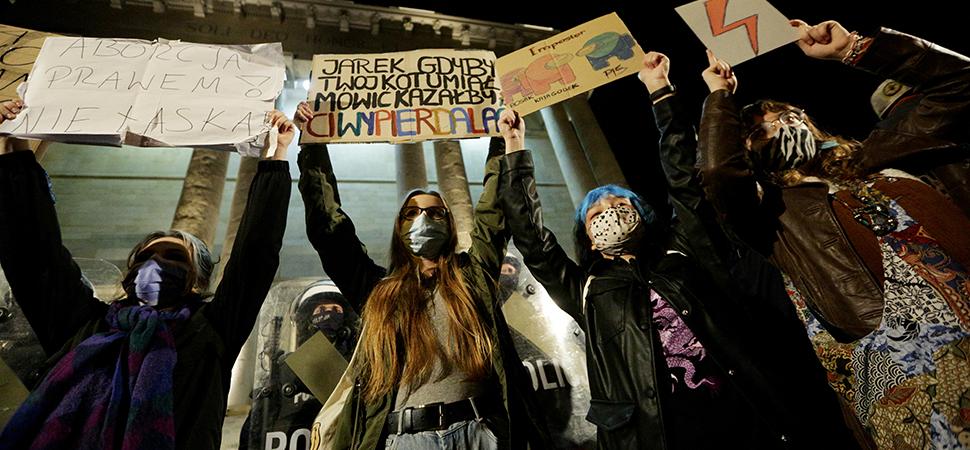 Las polacas convocan una huelga de mujeres para protestar contra la prohibición del aborto