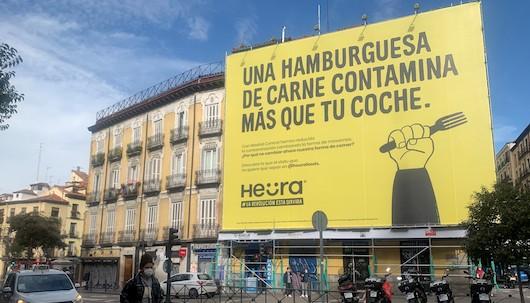 La lona está en el centro de Madrid y ha sido obra de &Rosàs