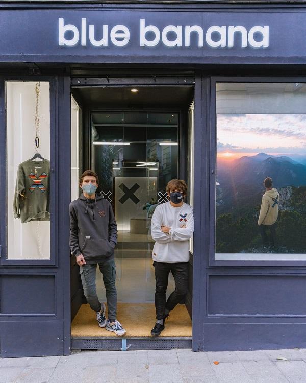 Los fundadores, en la puerta del nuevo establecimiento