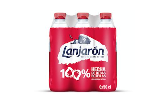 """La botella incluye el mensaje """"100% hecha de otras botellas"""""""