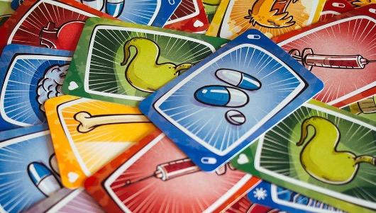 El juego de cartas Virus, el cuarto juguete más vendido de 2020