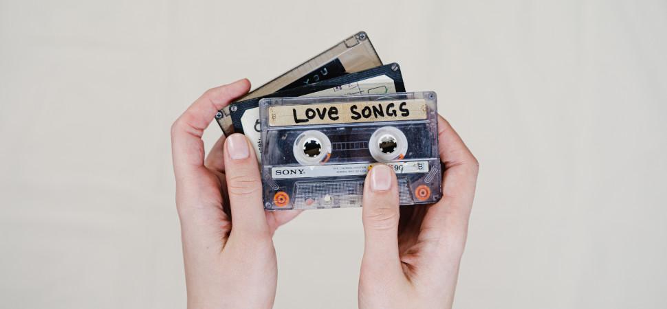 Erotismo, entrega, angustia o posesión: así ha cambiado la forma en la que las canciones pop hablan del amor