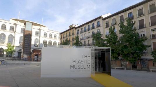 The Plastic Museum fue inaugurado por el alcalde de Madrid, Jose Luis Martínez-Almeida