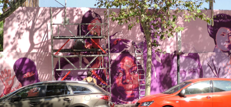 El mural feminista de Madrid vuelve por fin a brillar