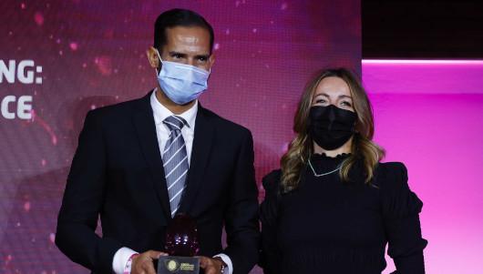 Gonzalo Saiz recibió el premio a mejor profesional de marketing