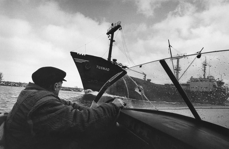 Canal de Sulina, en Rumanía, cerca del Mar Negro (1994)/Créditos: Inge Morath Foundation_Magnum Photos