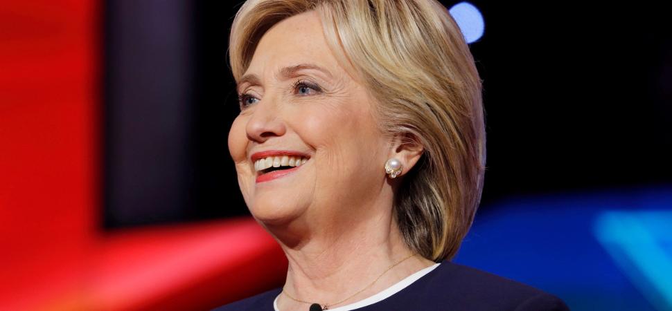 La carta que Hillary Clinton ha escrito a una niña tras perder unas elecciones (frente un niño)