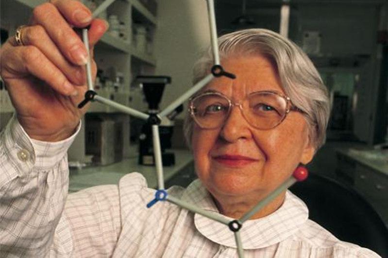 Stephanie Kwolek falleció en 2014 a los 90 años