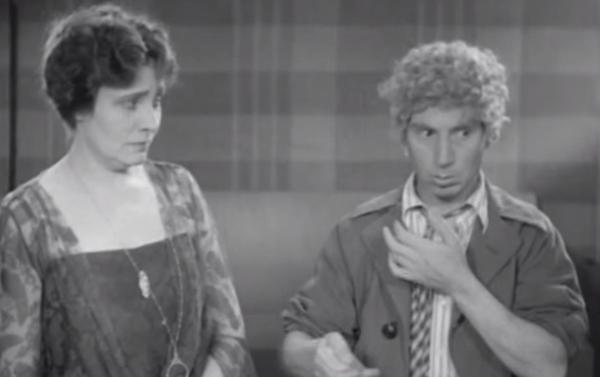 Fotograma de la película 'El conflicto de los Marx' (1930)