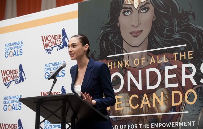 Gal Gadot, que interpreta a Wonder Woman en las nuevas películas, durante el acto en la ONU. Foto: Kim Haughton / ONU