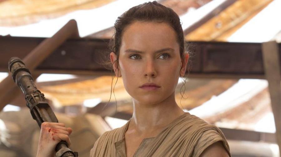 Rey, interpretada por Daisy Ridley, en 'El despertar de la Fuerza (2015)/Foto: starwars.com/Disney