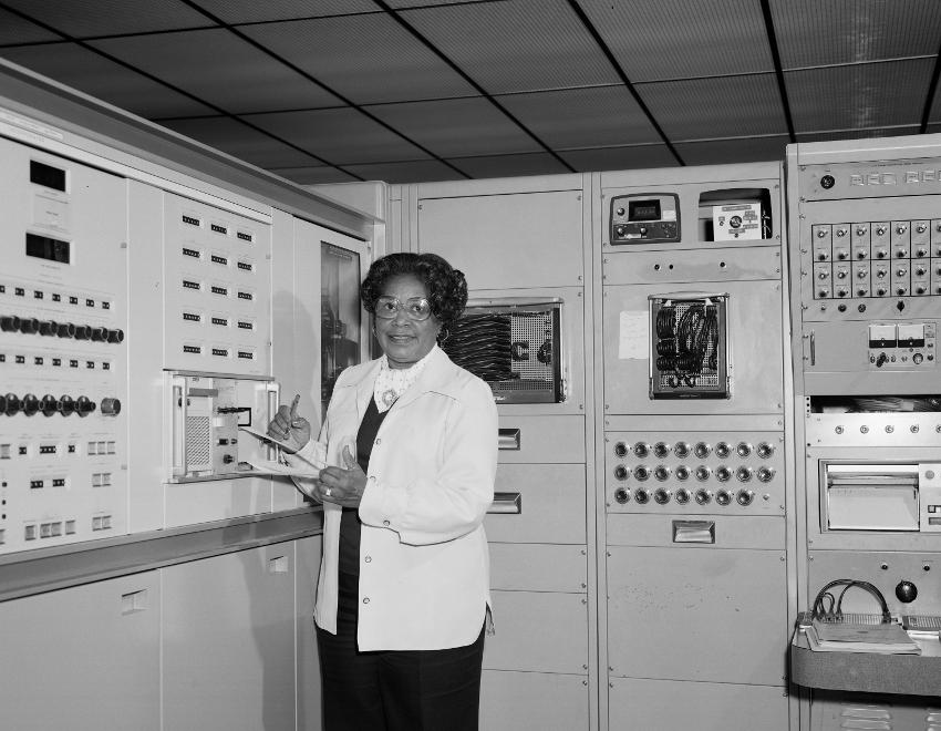 Mary Jackson trabajando en Langley. Foto: NASA