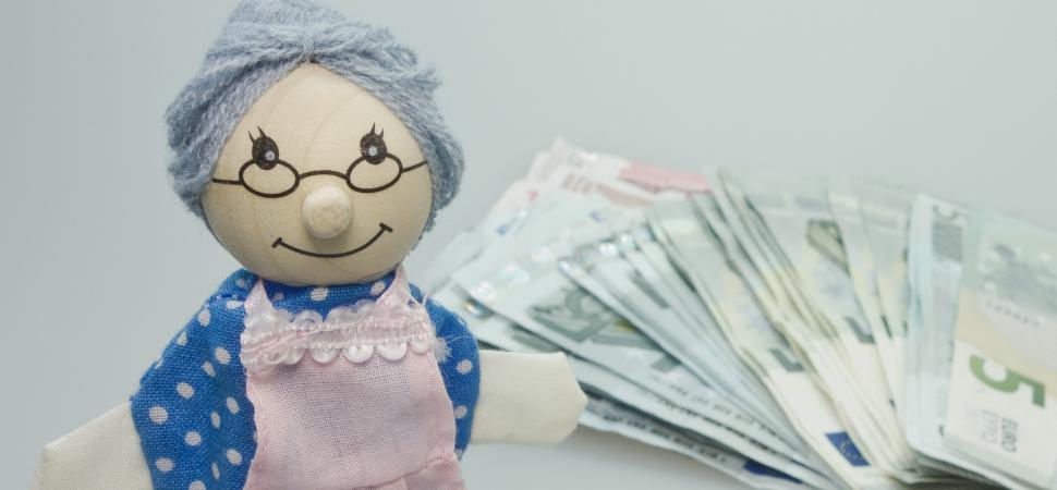 Casi 1,5 millones de españolas sobreviven con una pensión inferior a 700 euros