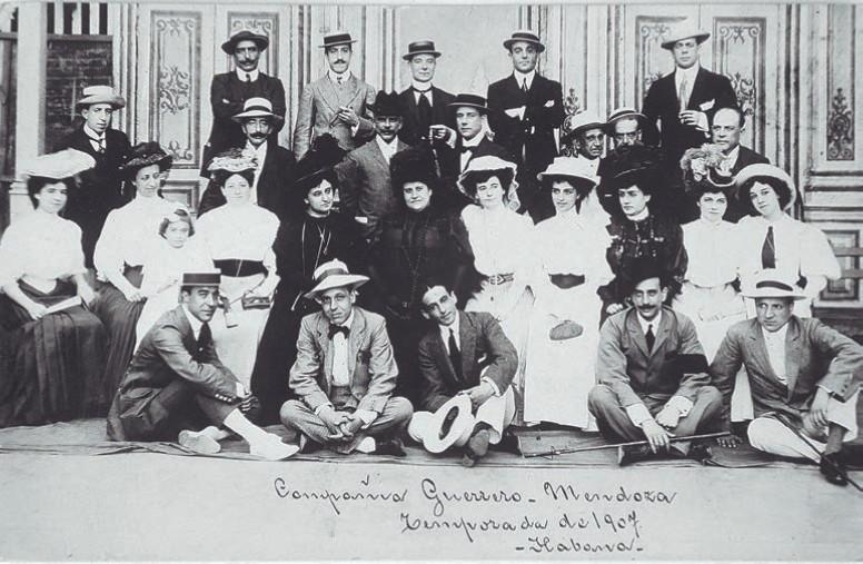 La compañía teatral de María Guerrero y Fernando Díaz de Mendoza, en 1907. Imagen: Centro Dramático Nacional