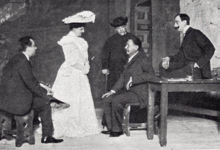 María Guerrero, junto a Alfredo Cirera, Benito Pérez Galdós, Fernando Díaz de Mendoza y Mariano Díaz de Mendoza, en 1903. Imagen: Centro Dramático Nacional