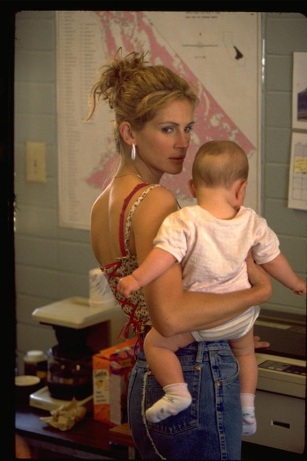 Julia Roberts interpretando a Erin Brokovich. Foto: IMDB/Universal Pictures, Inc.